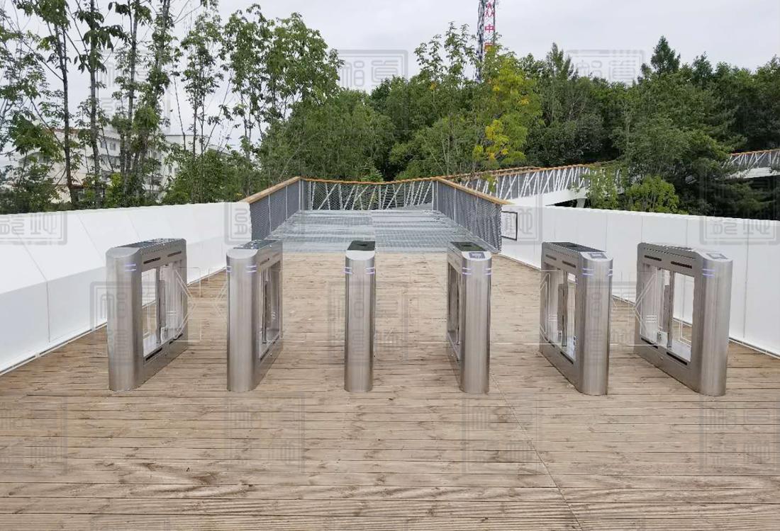 长白山廊桥公园景区管理系统摆闸案例
