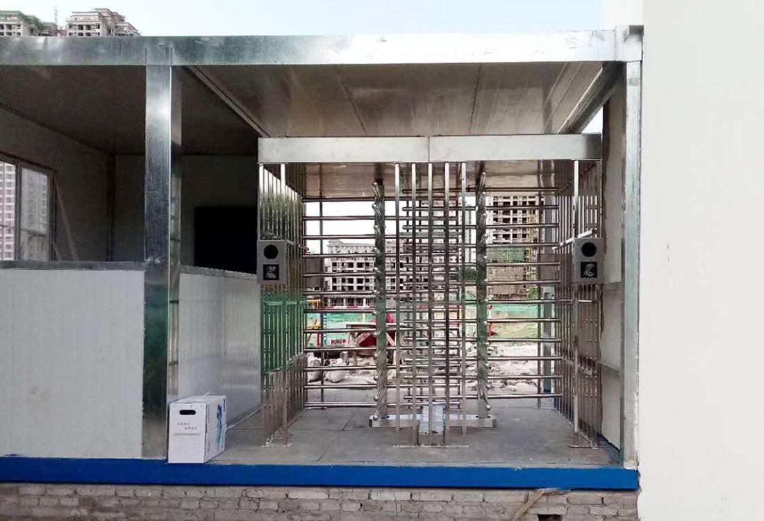 西安咸阳某工地全高转闸门禁系统案例