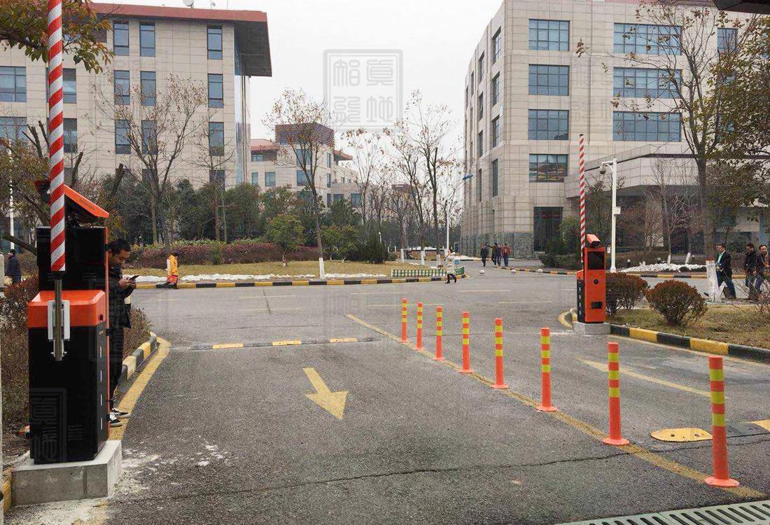 西安市中兴通讯产业园车牌识别道闸案例