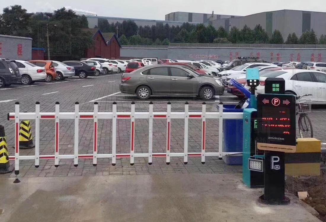 邯郸鞍钢集团车牌识别栅栏杆案例