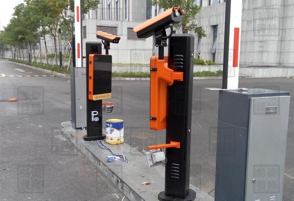 宁波市中级人民法院西门车牌识别一体机