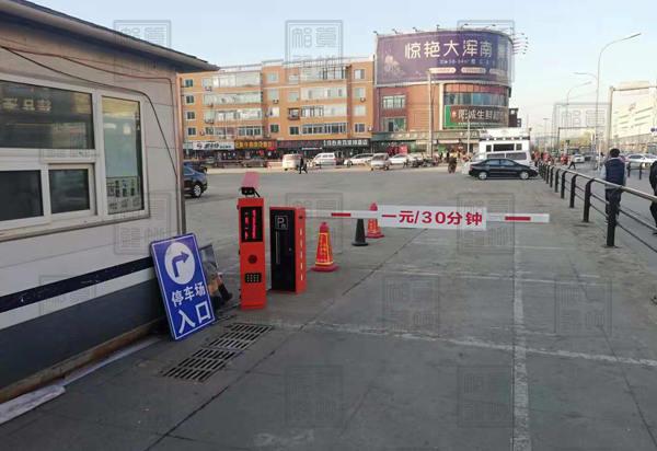 三进三出车牌识别一体机停车场系统